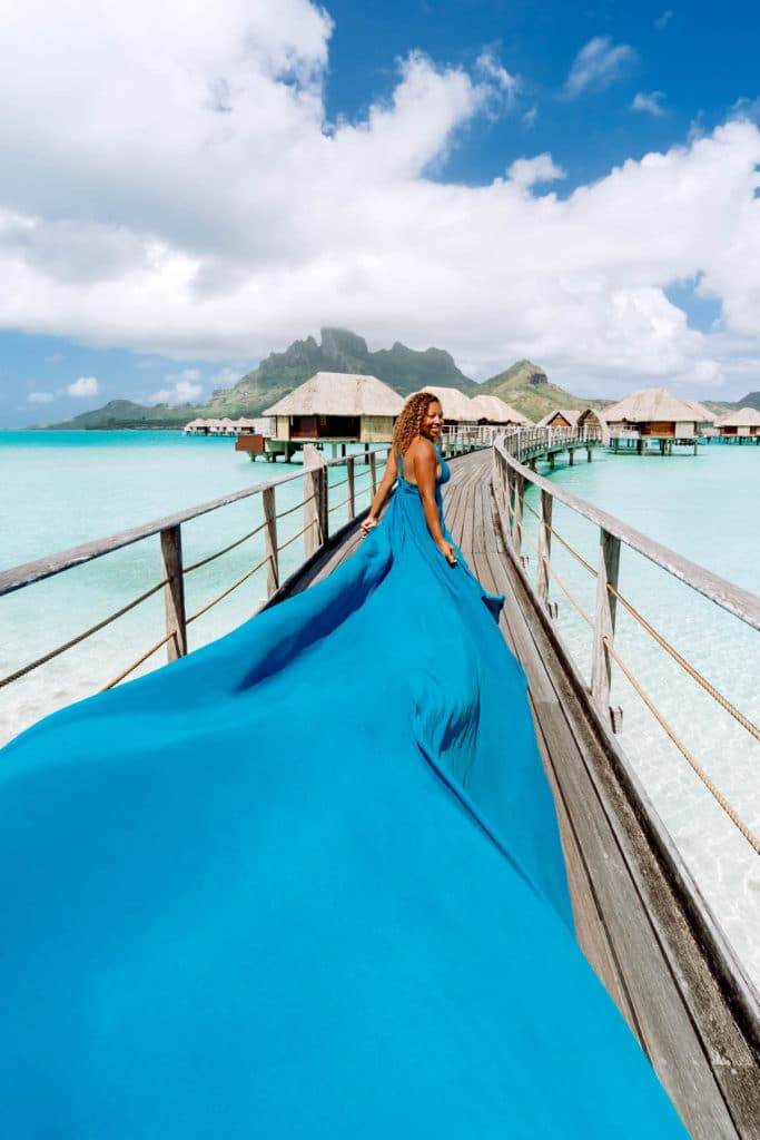 Bora Bora Photographer - Photoshoot with maxi flying dress - Blue Dress